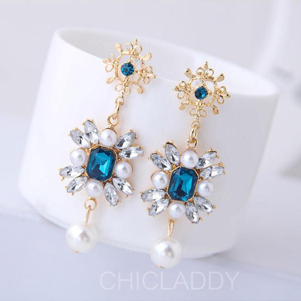 À la mode Alliage Résine De faux pearl avec Perle d'imitation Femmes Boucles d'oreille de mode (Lot de 2)