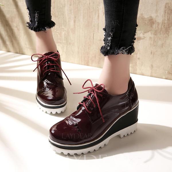 Frauen Lackleder Keil Absatz Geschlossene Zehe Keile mit Zuschnüren Schuhe