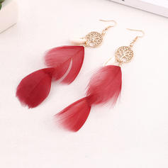 Simple Alloy Feather With Feather Women's Fashion Earrings