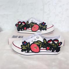 Femmes Velours Talon plat Chaussures plates Bout fermé avec Dentelle Une fleur chaussures