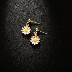 Delicate Flowers Alloy Earrings (Set of 2)