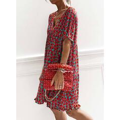 Tisk Krátké rukávy Splývavé Délka ke kolenům Neformální Šaty