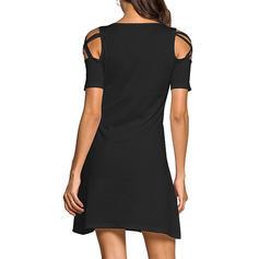 Couleur Unie Épaule Froide Trapèze Au-dessus Du Genou Petites Robes Noires/Décontractée Robes