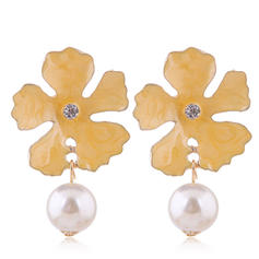 Flower Shaped Alloy Imitation Pearls With Imitation Pearl Earrings