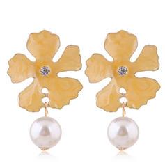 En forma de flor Aleación La perla de faux con Perlas de imitación Pendientes