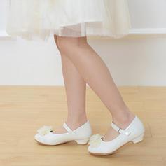 A menina de imitação de couro low Heel Toe rodada Fechados Bombas com Fivela Laço de cetim