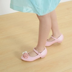 A menina de imitação de couro low Heel Fechados Sem salto Sapatas do florista com Fivela Pérola Imitação Laço de cetim