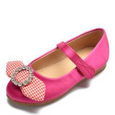 Mädchens Satin Flache Ferse Round Toe Geschlossene Zehe Flache Schuhe Blumenmädchen Schuhe mit Bowknot Klettverschluss