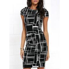 Kockás/Geometrikus minta Rövidujjú Testre simuló ruhák Térdig érő Hétköznapokra φορέματα