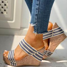 Frauen PU Keil Absatz Sandalen Keile Peep Toe Pantoffel Heels mit Niete Schuhe
