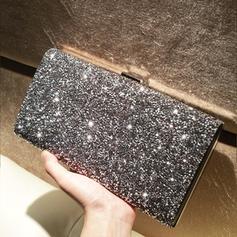 Glänzende Handtaschen