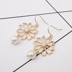 Flower Shaped Alloy Imitation Pearls With Imitation Pearl