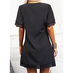Jednolity Koronka Krótkie rękawy Suknie shift Długośc do kolan Mała czarna/Nieformalny Tunika Sukienki
