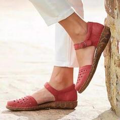 Bayanlar PU Düz topuk Sandalet Kapalı Toe Ile Toka Oymak ayakkabı