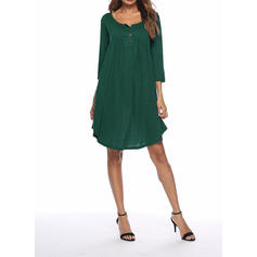 Solid Round Neck Knee Length Shift Dress
