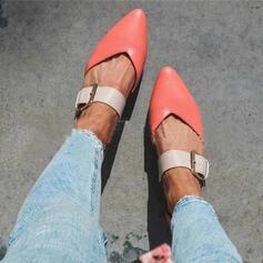 De mujer PU Tacón ancho Planos Cerrados con Hebilla Estampado de animales zapatos