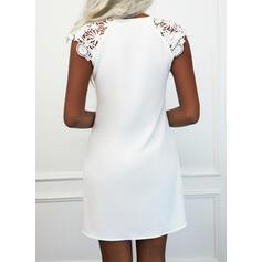 Jednolity Koronka Krótkie rękawy cap sleeve Suknie shift Długośc do kolan Nieformalny Sukienki