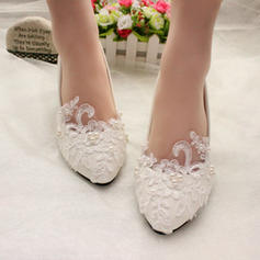 Women's Patent Leather Kitten Heel Closed Toe Pumps With Imitation Pearl Applique