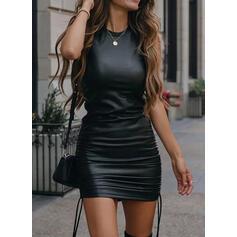 Sólido PU Sin mangas Ajustado Sobre la Rodilla Pequeños Negros/Casual Tanque Vestidos