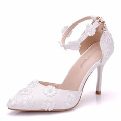 Women's Leatherette Spool Heel Closed Toe Flats With Applique