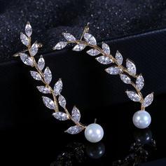 Leaves Shaped Zircon Copper With Zircon Women's Fashion Earrings (Sold in a single piece)