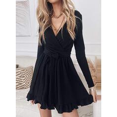 Sólido Manga Larga Vestido línea A Sobre la Rodilla Pequeños Negros/Casual Patinador Vestidos