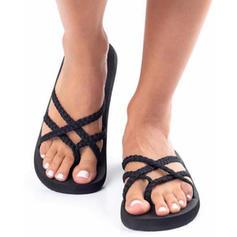 Kvinnor Tyg Flat Heel Sandaler med Flätad rem skor