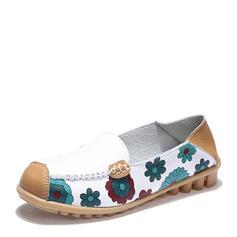 Kvinnor PU Flat Heel Platta Skor / Fritidsskor med Split gemensamma skor
