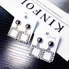 Luminoso Aleación Diamantes de imitación Señoras' Pendientes de la manera