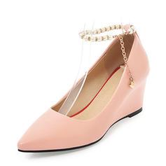 Frauen PVC Keil Absatz Keile mit Nachahmungen von Perlen Kette Schuhe
