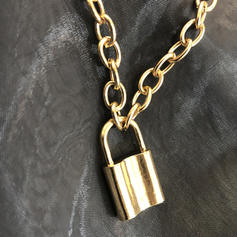 Fashionable Exquisite Alloy Necklaces