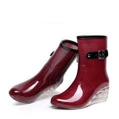 Kvinnor PVC Kilklack Kilar Stövlar Halva Vaden Stövlar Gummistövlar med Spänne Zipper Smycken Heel skor