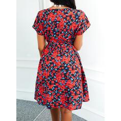 Tisk/Květiny Krátké rukávy Do tvaru A Nad kolena Neformální Skaterové Šaty