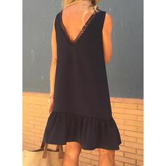 Μονόχρωμο Αμάνικο Αμάνικο Πάνω Από Το Γόνατο Μικρό μαύρο/Καθημερινό Сукні