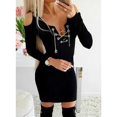 Egyszínű Hosszú ujjú Testre simuló ruhák Térd feletti Kis fekete/Elegáns φορέματα