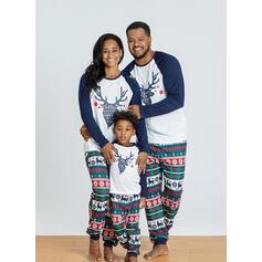 Reindeer Letter Print Family Matching Christmas Pajamas