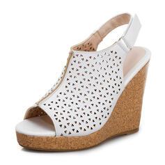 Női PU Ékelt sarkú Szandál Ékelt szandál Peep Toe -Val Csat Hálós ruha cipő