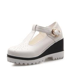 Női Műbőr Ékelt sarkú Zárt lábujj Ékelt szandál -Val Csat cipő