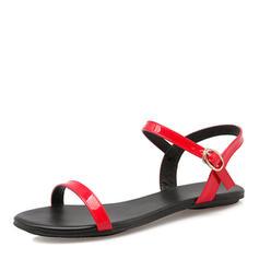 Kvinnor Lackskinn Flat Heel Sandaler Platta Skor / Fritidsskor med Spänne skor
