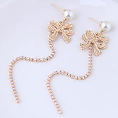 Fashionable Alloy Imitation Pearls Ladies' Fashion Earrings