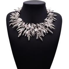 Fashionable Alloy With Rhinestone Women's Fashion Necklace