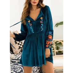 Embroidery V-neck Above Knee Shift Dress