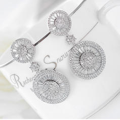 Chic Alloy Zircon Ladies' Fashion Earrings