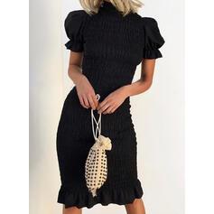 Egyszínű Rövidujjú/Puffos ujjú Testre simuló ruhák Térdig érő Kis fekete/Elegáns Ołówkowa φορέματα