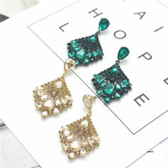 Shining Alloy Rhinestones Women's Fashion Earrings