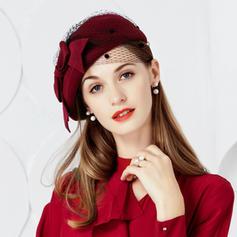 Señoras' Elegante Madera con Tul Boina Sombrero