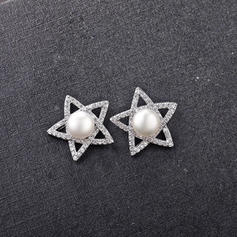 Star Shaped Zircon Copper With Zircon Women's Fashion Earrings (Sold in a single piece)
