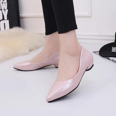 Women's Leatherette Low Heel Closed Toe shoes