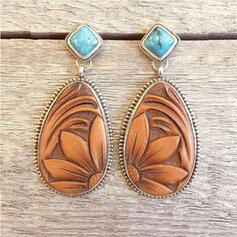Maple Leaf Intertwined Alloy With Feather Leaf Earrings 2 PCS