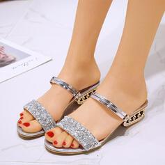 Mulheres PU Salto baixo Sandálias Peep toe com Lantejoulas sapatos
